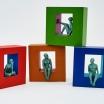 piezas-corporativas-hombres-al-vacio-18x18-12